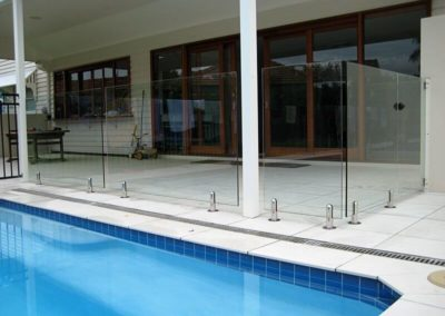 frameless-pool-fence2